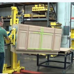Mobile lift handling cabinet.